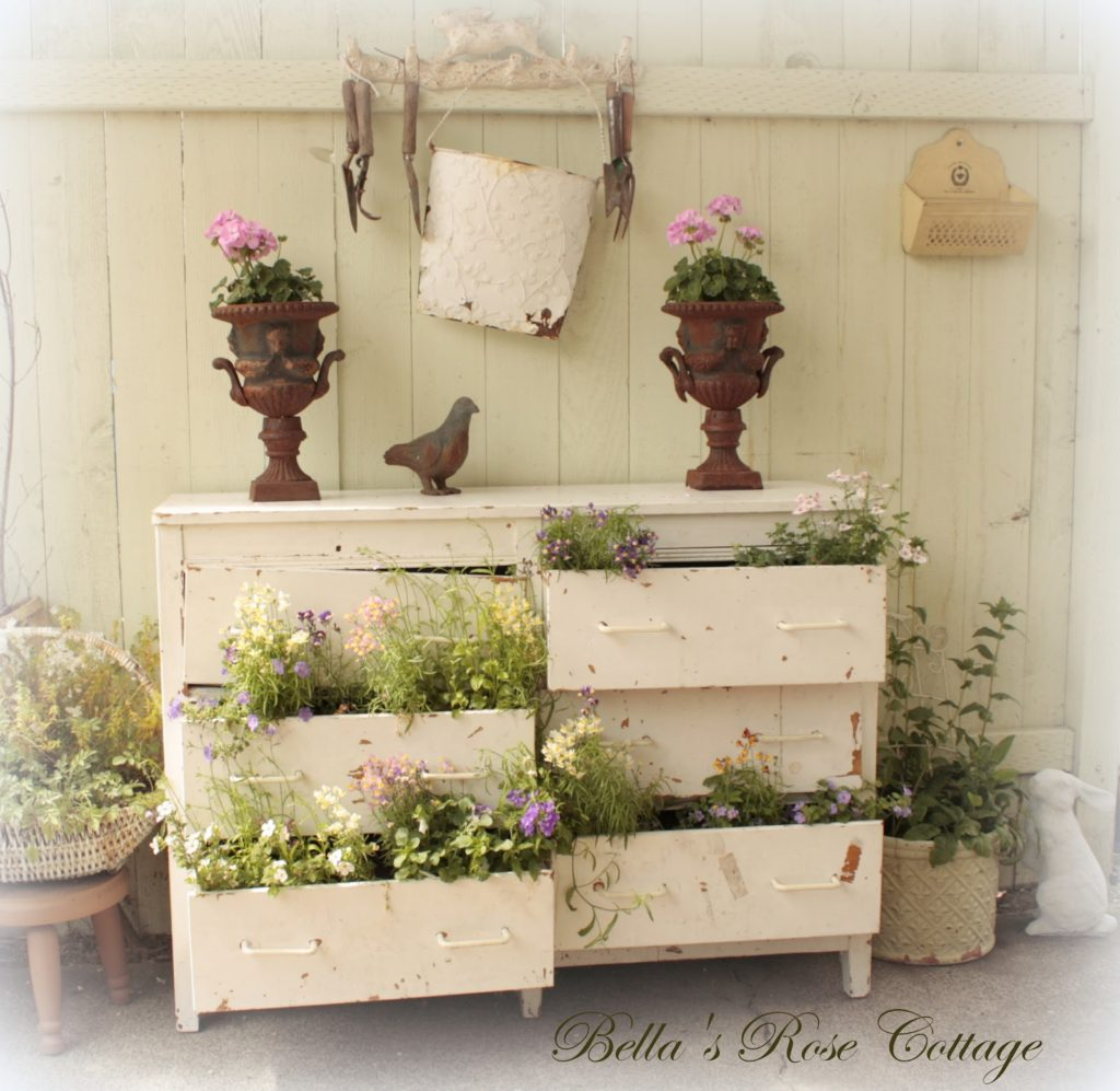 this+and+that+dresser+-+mossyrock+-+garden+5.1