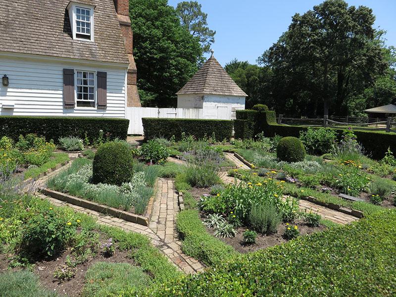 Williamsburg Garden 2
